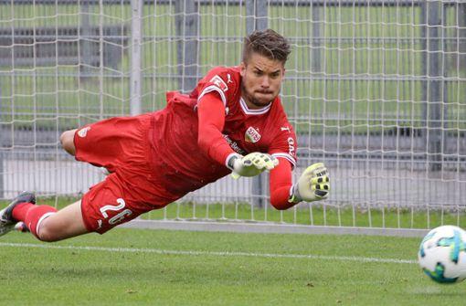 Alexander Meyer: Seltener Einsatz für den VfB II und dann kassiert der Torwart gleich sechs Gegentreffer. Foto: Baumann