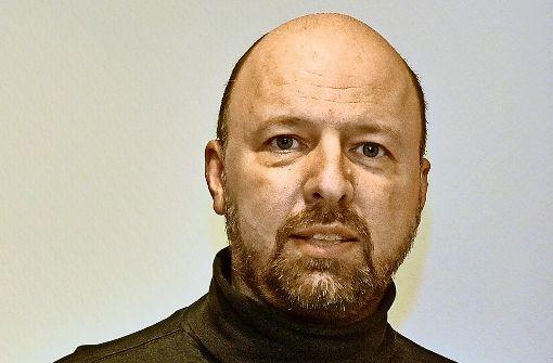 """Internetfachmann Wilhelm Bühler aus Stutensee bei Karlsruhe spezialisierte sich 2015 auf die Tätigkeit als """"digitaler Bestatter"""" Foto: Stefan Jehle"""