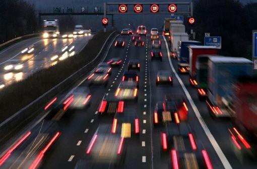 Verkehr staut sich auf 20 Kilometern