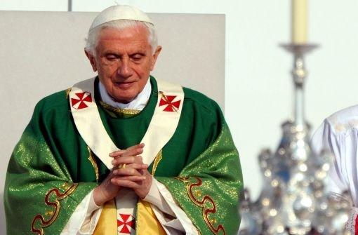 Eine Nachricht, die überrascht: Papst Benedikt XVI. tritt ab. Foto: dpa