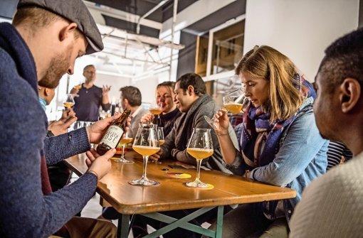 Bier-Tasting ist nicht weniger überraschend als eine Weinprobe: Die Brauereien entwickeln Sorten, wo eben nicht eine wie die andere schmeckt Foto: Martin Stollberg