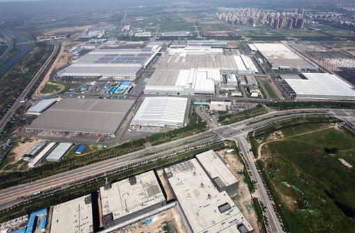 In Peking betreibt Daimler zusammen mit dem chinesischen Partner BAIC eine Fabrik, in der im vergangenen Jahr mehr Autos gebaut wurden als in jedem anderen Daimler-Werk weltweit. Foto: MediaPortal Daimler AG
