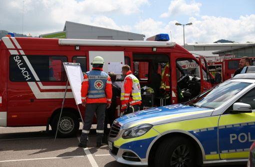 Großeinsatz der Feuerwehr bei Brand eines Drogeriemarktes