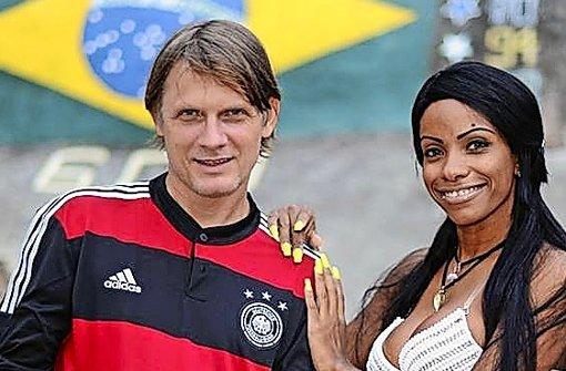 """Bernhard Weber alias MC Gringo singt in Rio """"Deutscher Fußball ist geil"""" Foto: StN"""