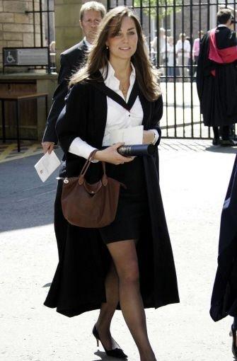 Während ihres Studiums an der britischen Eliteuniversität St. Andrews in Schottland lernt Kate Middleton 2002 Prinz William kennen. Foto: AP