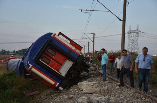 Zahl der Toten bei Zugunglück steigt deutlich an