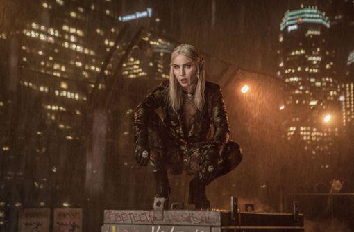 """Noomi Rapace, bekannt aus der Millennium-Trilogie und Prometheus, spielt in """"Bright"""" eine böse Elfe. Foto: Netflix"""