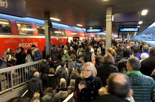Warnstreiks sorgen in Stuttgart für Chaos