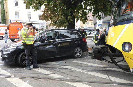 In Bad Cannstatt gab es am Freitagmittag einen Stadtbahnunfall. Foto: 7aktuell.de/Frank Herlinger