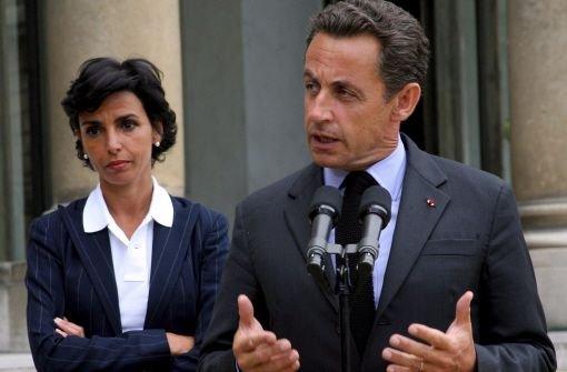 Sarkozy verschießt Giftpfeile
