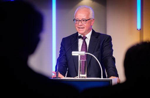 Dr. Richard Rebmann, Geschäftsführer der Südwestdeutschen Medienholding, lobt in seiner Rede die Schwaben.  Foto: Lichtgut/Achim Zweygarth