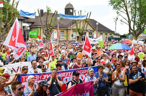 Bunte Protestzüge in Karlsruhe