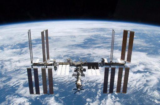 Etwa 400 Kilometer über der Erde kreist die Internationale Raumstation (ISS). Foto: epa/NASA