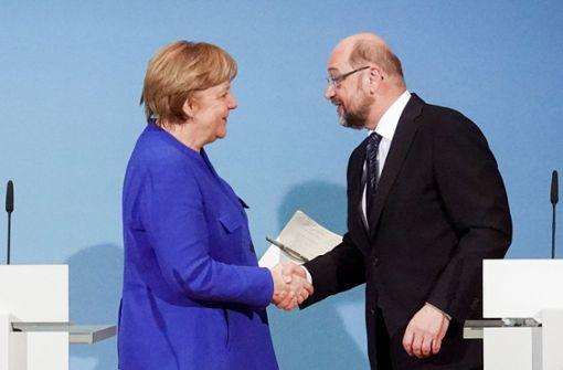 Wollen es noch einmal miteinander versuchen: Bundeskanzlerin Angela Merkel (CDU) und Martin Schulz (SPD). Foto: dpa