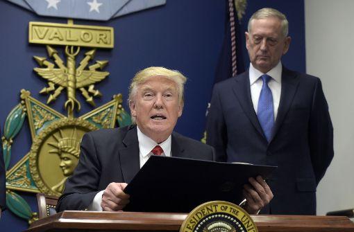 """""""Fast alle Dekrete Trumps sind überprüfbar"""""""