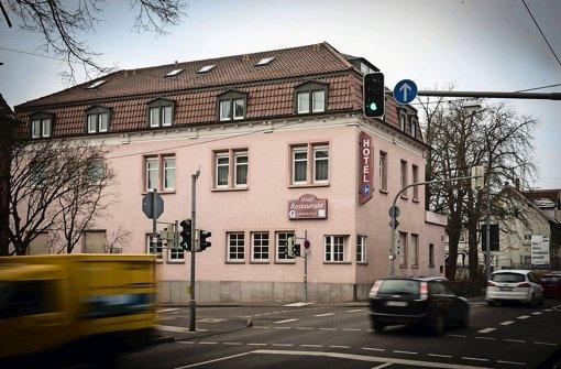 In dem ehemaligen Hotel Gambrinus in der Möhringer Landstraße in Vaihingen will das Jugendamt künftig 28 jugendliche Flüchtlinge unterbringen Foto: Lichtgut/Achim Zweygarth