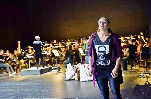 Oper im Schatten der Politik
