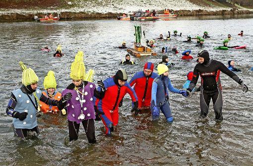 139 Schwimmer trotzen dem Winter