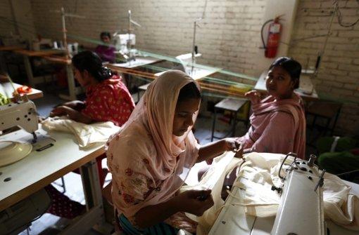 Näherinnen in Bangladesch - ein Textilbündnis gegen Ausbeutung könnte ihnen  helfen. Ob es Aussichten hat