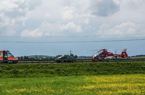 Der schwer verletzte Fiat-Fahrer kam mit einem Hubschrauber ins Krankenhaus. Foto: SDMG