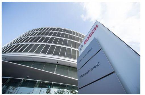 Im neuen fünfstöckigen IT-Campus in Stuttgart-Feuerbach laufen die Fäden der weltweiten Bosch-IT zusammen. Rund 2000 Mitarbeiter arbeiten in dem Neubau. Foto: Bosch