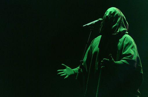 Stimme zwischen Licht und Schatten