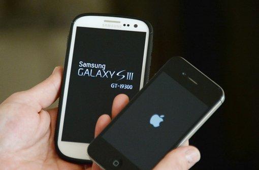 Samsung greift Apple vom Start weg an