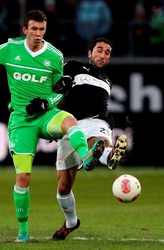 Cristian Molinaro: Note 2,5. Er hatte im Spiel gegen Wolfsburg mit 90 die meisten Ballkontakte. Foto: dapd