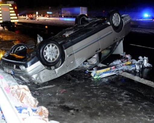 Unfalllastwagen mit Sommerreifen