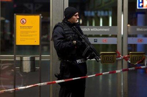 Die Polizei war auch nach der Terror-Entwarnung noch stärker in München präsent.  Foto: dpa