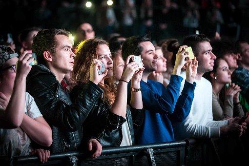 Viele Fans waren in die Porsche-Arena gekommen, um die junge Britin zu sehen. Foto: Lichtgut