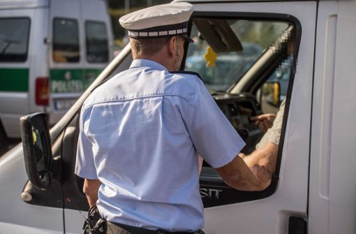 Handy-Unfall vor den Augen der Polizei