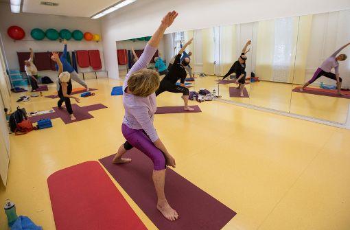yoga in bad cannstatt neuer kurs beginnt bad cannstatt stuttgarter nachrichten. Black Bedroom Furniture Sets. Home Design Ideas