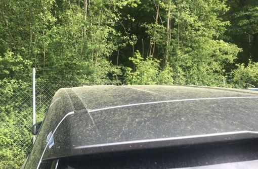 Beschädigt der gelbe Schleier den Autolack?