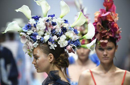 Der Kopfputz beim Label Maison Common war so spektakulär, dass die Mode beinahe zur Nebensache wurde. Foto: Getty Images Europe