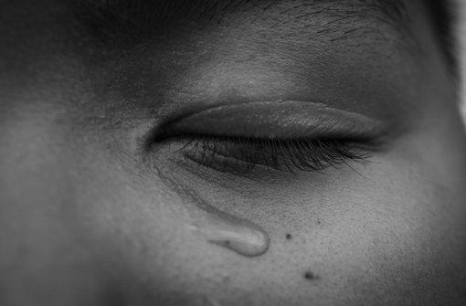 """""""Es gibt keine Checkliste, nach der man sagen kann: Wenn dieses Symptom und dieses Verhalten vorliegt, handelt es sich sicher um sexuellen Missbrauch"""", sagt der Kinder- und Jugendpsychiater Jörg Fegert vom Uniklinikum Ulm. Foto: Fotolia/© obeyleesin"""