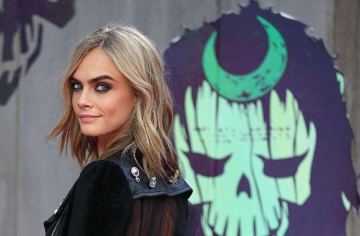 """Noch mit längerem, dunkelblondem Schopf: die 25-jährige Britin bei der Premiere ihres Films """"Suicide Squad"""" 2016 in London.  Foto: AFP"""