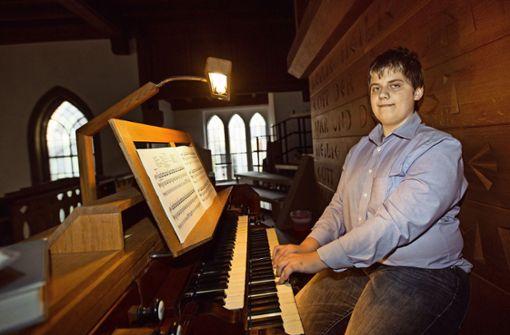 """""""Wenn man Orgel spielt, ist man Herrscher über ein ganzes Orchester"""" – Leonard  Kunz über seine große Leidenschaft. Foto: Ines Rudel"""