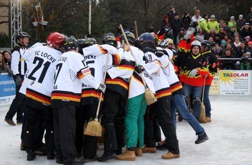 Besen eishockey spiel in fellbach die locken polieren die - Mobelhaus fellbach ...