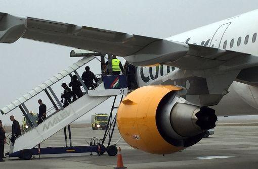 In der Nacht auf Dienstag sind die 162 Condor-Fluggäste am Flughafen Köln  Bonn gelandet