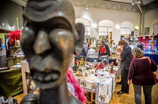 Kunstgewerbe aus aller Welt beim Markt der Völker. Foto: Lichtgut/Max Kovalenko