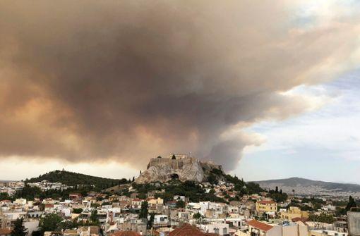 Rauchwolken über Athen – Tsipras bricht Reise ab