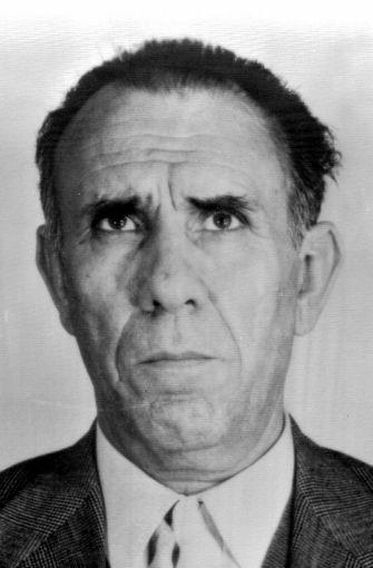 """Der berüchtigte Mafia-Boss Gaetano Badalamenti ist 2004 nach langer Krankheit im Alter von 80 Jahren in einem Hochsicherheitsgefängnis in Fairton in den USA gestorben, teilte die Justizbehörde von Palermo mit. Badalamenti verbüßte dort wegen Drogenhandels eine 45-jährige Haftstrafe, zu der er 1984 verurteilt worden war. 2002 war der gebürtige Sizilianer in Italien in Abwesenheit zu lebenslanger Haft verurteilt worden. Das Gericht befand ihn für schuldig, 1978 den Auftrag zur Ermordung des jungen Links-Aktivisten Giuseppe """"Peppino"""" Impastato gegeben zu haben. In dem preisgekrönten Film """"100 Schritte"""" erzählte der italienische Regisseur Marco Tullio Giordana  im jahr 2000 das Leben Impastatos und seine Ermordung durch Badalamenti. Foto: ANSA_FILES"""