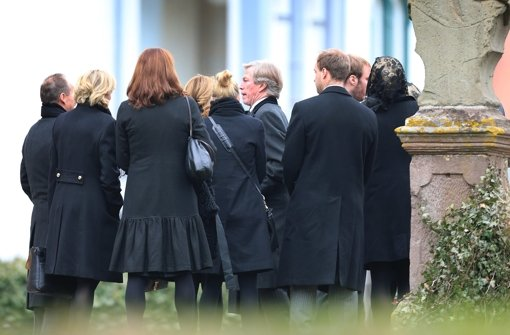 Leopold Prinz von Bayern (Mitte) nahm an der Trauerfeier teil. Foto: dpa