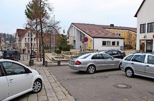 Der Dorfplatz ist nun für Kurzparker reserviert