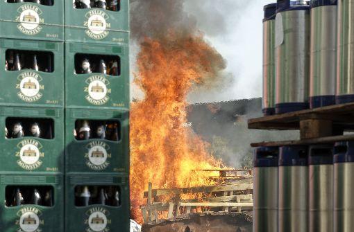 Ein ordentliches Feuer hat die Dagersheimer Wehr entfacht, um die Aufmerksamkeit der Bevölkerung zu bekommen.  Foto: factum/Bach