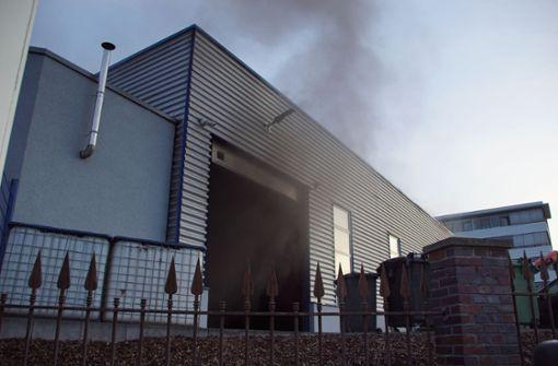Hoher Schaden nach Brand in Abschleppunternehmen