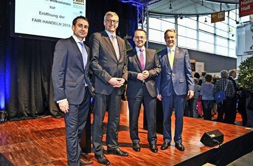 Philipp Keil, Bernhard Felmberg, Peter Friedrich und Roland Bleinroth (von links) bei der Eröffnung. Foto: Lichtgut, Ferdinando Iannone