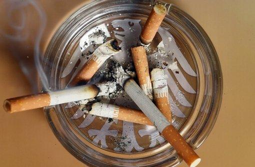 Streit wegen neuer Zigarettenpackung