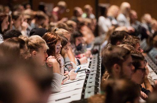 Baden-Württemberg erhebt für Studenten aus dem Nicht-EU-Ausland eine Gebühr. (Symbolfoto) Foto: dpa